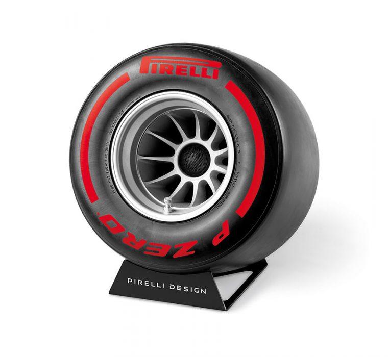 Pirelli P ZERO™ Sound Red stereo system