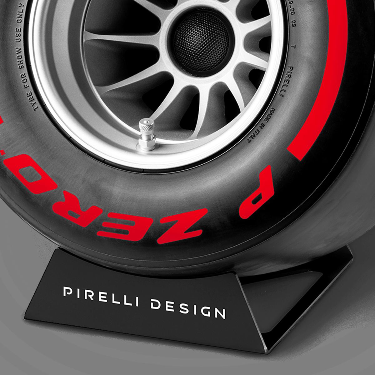 Pirelli P ZERO™ hi-fi di lusso colore rosso