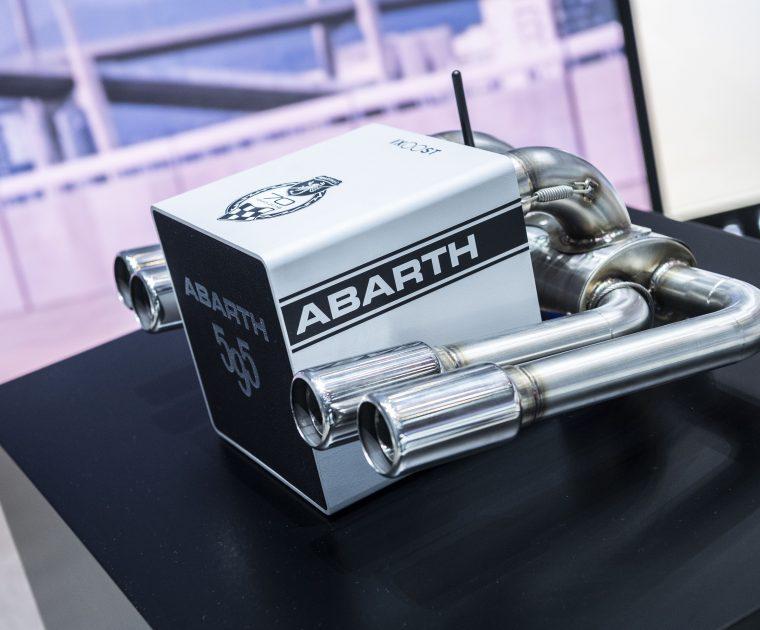 World Premiere iXOOST KUBO ABARTH 595 - impianto stereo bluetooth di design