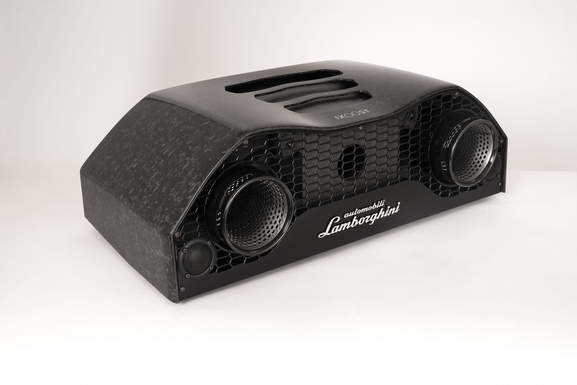 iXOOST Lamborghini™ AVALÁN Forged Carbon - amplificatore 2×100 watt
