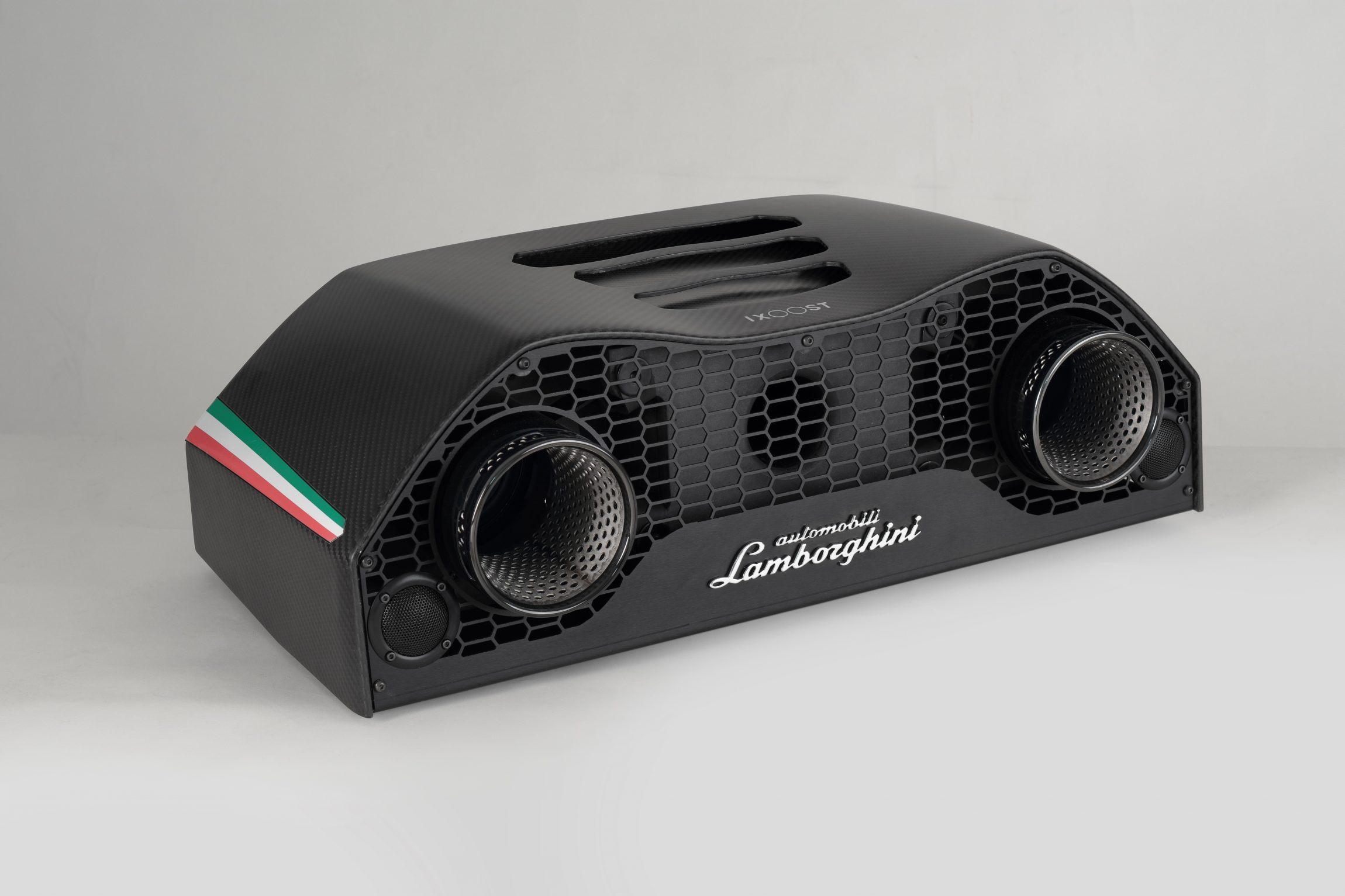 iXOOST AVALÁN - cool speakers hand-crafted in Italy