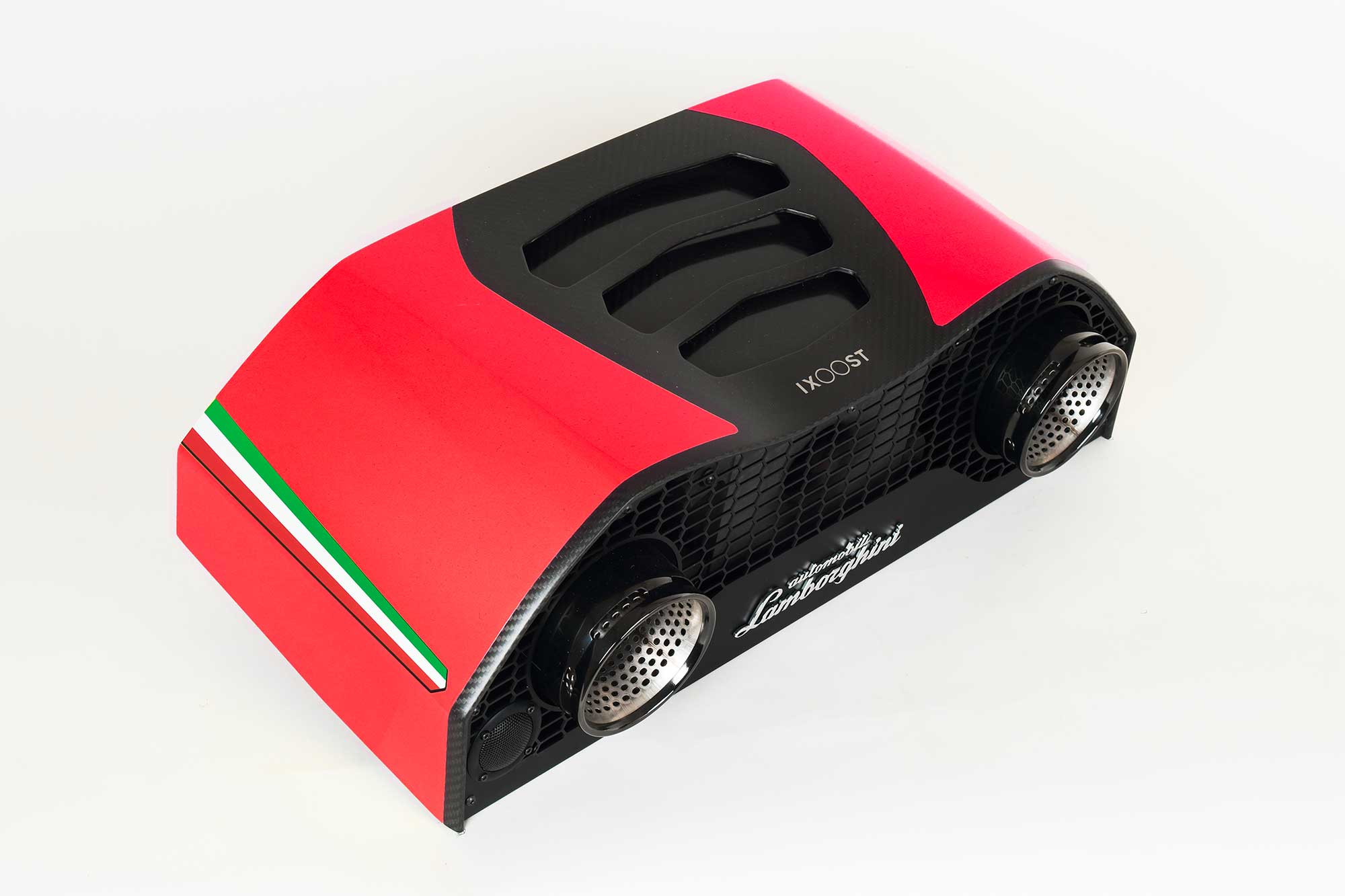 iXOOST AVALÁN Mars Red impianti audio casa Lamborghini™